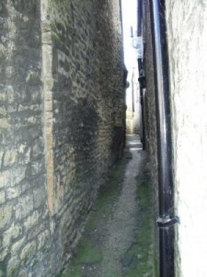 Yard Alley